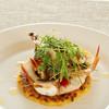 THE THEATRE TABLE - 料理写真:『海の幸とミラノ風薄焼きリゾット』サフランリゾットをクレープ状にし、ソテーした海の幸と一緒に