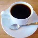 オーバル コーヒースタンド - ブレンドコーヒーはハンドドリップ。ハリオV60で。