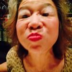 スナック琴子 - ママ・・目開いてるんですよね?