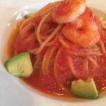 デリシャスキッチン ピース - 料理写真:ランチC)パスタ 小海老とアボカドのフレッシュトマトソーススパゲッティー