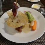 ビストロ雪が谷 - 鴨モモ肉の羽付きコンフィ バニラ風味