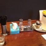 香味 - テーブル席