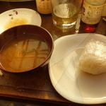 谷川水産 - ご飯物が牡蠣おにぎり一個だけというのがちょっと寂しいです
