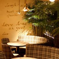 オリエンタルな空間のカフェダイニング♪6名様以上個室あります