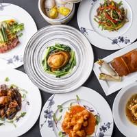 100種のメニューよりオーダー式の食べ放題「王朝の味覚」