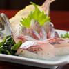 回転寿司うみっ子 - 料理写真:一押し『泳ぎアジ姿握り』