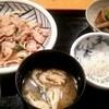 唐変木 - 料理写真:豚ロースと野菜のスタミナ炒めとB(田舎煮・しらすおろし)の組合せ