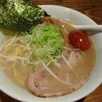 ラーメン田島商店 - 料理写真:ラーメン700円 たまご 50円