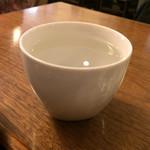 玄三庵 - お白湯