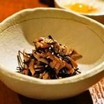 焼き鳥 丈参 - 砂肝の汐こぶ和え(630円)