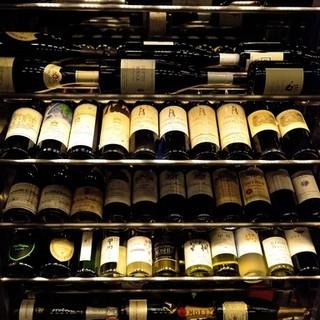 お料理に合わせて楽しめる種類豊富なワイン