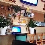 サイゴン - 店内より厨房方面