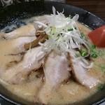 完熟らーめん 本丸 - 味噌チャーシューめん(870円)