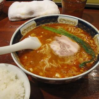 支那麺 はしご - 料理写真:坦坦麺(中辛)+ごはん