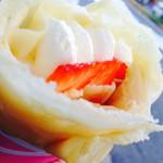 クレープサンク - 料理写真:生クリームイチゴ