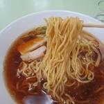 旭川市役所 地下食堂 - 低加水率の中細縮れ麺