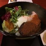 さつま古謝 - ロコモコ丼