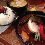 タケウチ - 煮込みハンバーグ洋食膳(カレーソース)