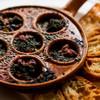 BOND - 料理写真:自家製ハーブバターをたっぷり使ったつぶ貝のグリル