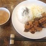 タベルナ サクハタ - 料理写真:日替わりワンプレート(チキンカツ)650円