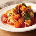 パークサイドカフェ - 色々トマトとモッツァレラチーズのトマトパスタ