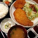 家庭料理穂光 - とんかつコロッケランチ700円、小鉢2品・お漬物付き、ご飯・味噌汁おかわりOK。
