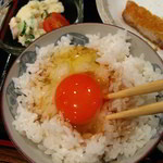 家庭料理穂光 - ランチ定食小鉢2品、生卵にポテサラ選択。