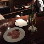 Lis - 生ハムとビール