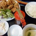 餃子苑 富丘の里 - 唐揚げ定食 810円(税込)