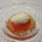 レストラン タニ - 柿のコンポートとコニャック風味のジュレとマスカルポーネのアイスクリーム
