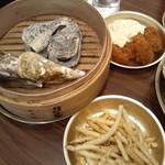 かき小屋フィーバー オクトパス - 蒸し牡蠣、ポテトフライ、かきフライ