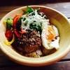 サニーシーズン - 料理写真:とびっきりハンバーグのロコモコ丼