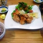 オーガニックカフェ チャント - 美味神山鶏のチャントのから揚げ定食