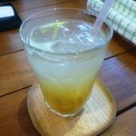 オーガニックカフェ チャント - 無農薬ゆずのソーダ