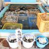 山田海産 - 料理写真:まずは、生簀がある山田海産で、BBQの材料やドリンクを購入するシステムです。 持ち帰りのみも可能です。