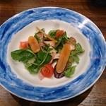 トラットリアビコローレヨコハマ - 自家製からすみのサラダ