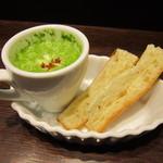 33791161 - 前菜的なパンとスープ