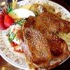 アルファ - 料理写真:しょうが焼きとピラフ!