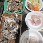 磯貝めんちゃんこのかきごや - 海鮮居酒屋で有名な磯貝と小鍋の煮込み麺で有名な博多めんちゃんこ亭のコラボ企画で、 秋冬季節限定の牡蠣小屋です。