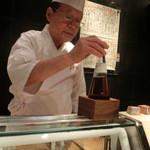 第三春美鮨 - 酒粕酢 赤酢の原型で、実は江戸時代にミツカンが創って江戸に売り歩いた