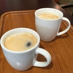 ベーカリーカフェ レンガ - ホットコーヒーを(260円)