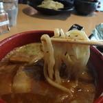 33879368 - 辛つけ麺 麺とつけ汁の絡み