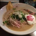 麺匠 さくら咲く - 夜桜パイタン(850円)