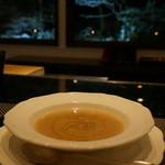 キッチン イトウ スタイル - 季節野菜のスープ(この日は大根) 800円