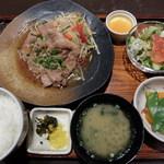 伊都ダイニング - 糸島豚の生姜焼定食