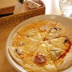 カフェ ハルディン - 2013年4月 Bランチセットのピザ