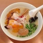 らーめんてつや - とんこつ辛か麺(896円)