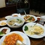 新華苑 - 料理写真:エビチリ1200円、かに玉子焼き900円、酢豚900円