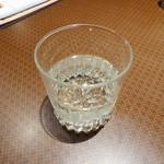 燈弥 - 飛露喜 特別純米 豪快なグラスです^^;