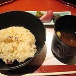 京懐石 美濃吉 - 御飯: 鯛ごはん 漬物 赤だし